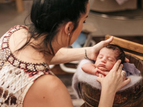 tanha basile newborn baby photography gold coast brisbane award winning family photos