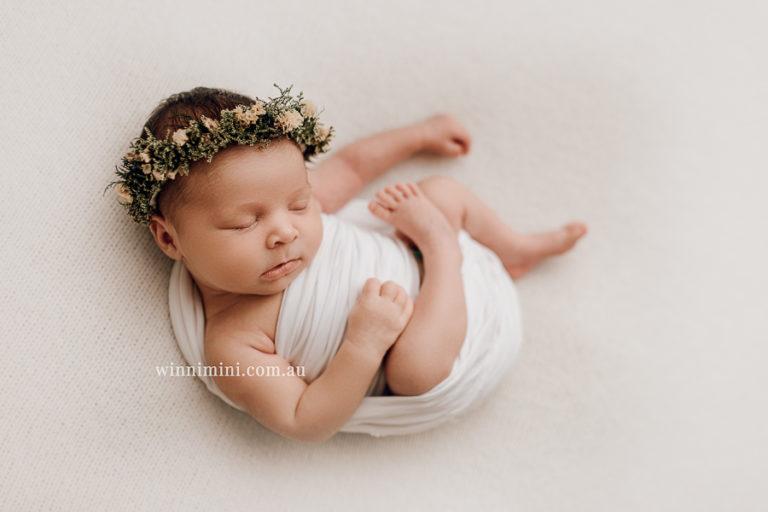 winni mini newborn baby babies older birth maternity family families photography photographer photo photos tanha basile winni mini Gold Coast ayla