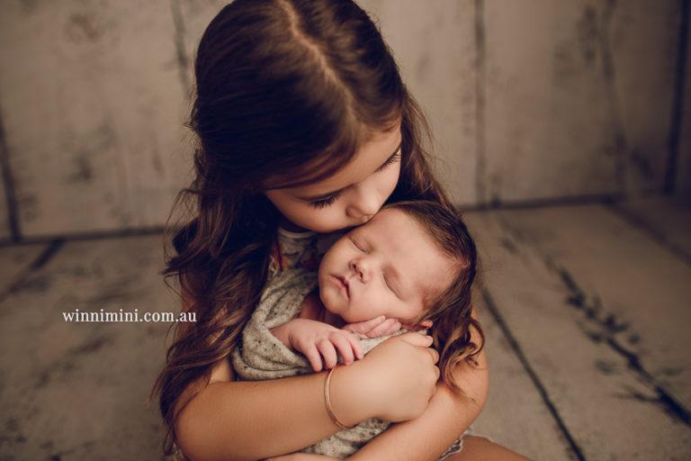newborn baby family photographer gold coast brisbane babies
