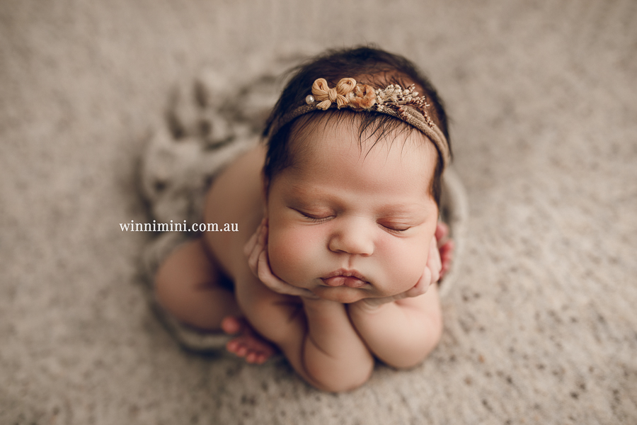 Baby photographer Gold Coast, newborn photography, birth, family, sitter sessions maternity photography, located in Upper Coomera.