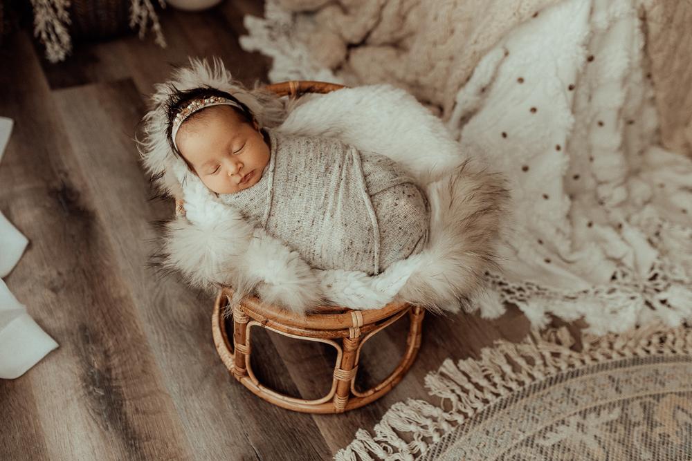 Winni Mini Photography newborn baby family maternity ward photographer gold coast brisbane pregnancy pindara upper coomera
